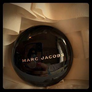 Marc Jacobs O!mega Gel Powder Eyeshadow The Big O